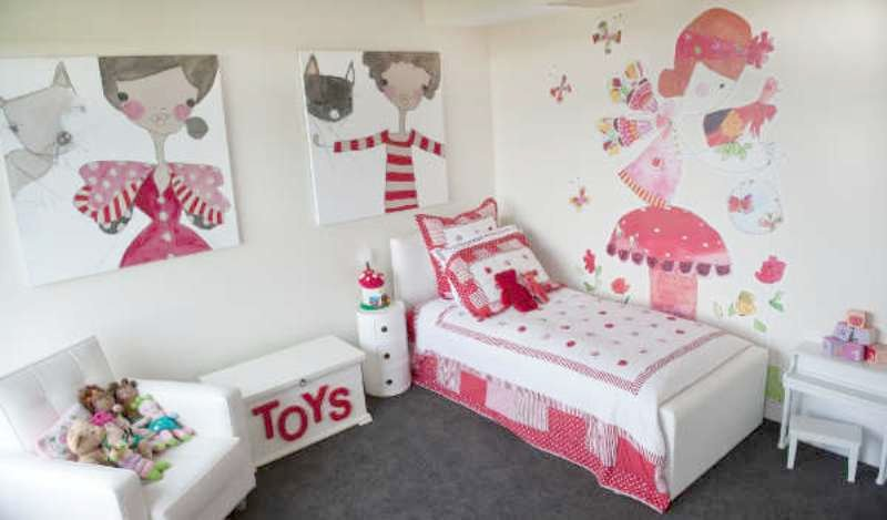 Amazing Girls Red Bedroom   Red And White Delightful Girlu0027s Bedroom Design