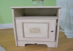 how do you antique furniture with paint