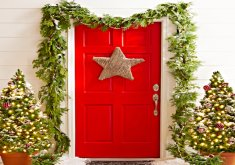 Great Xmas Front Door Decorations   35 Christmas Door Decorating Ideas   Best Decorations For Your Front Door
