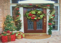 Xmas Front Door Decorations   Open Gallery7 Photos